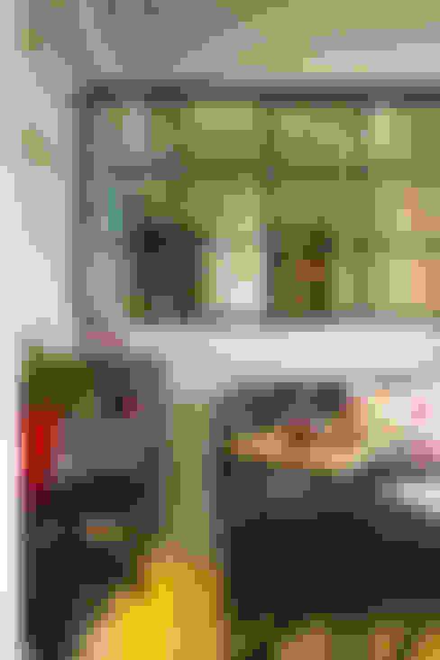 開放的書房,讓光線及空氣更為流通了:  客廳 by 一葉藍朵設計家飾所 A Lentil Design