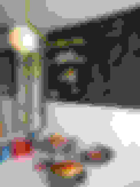 黑板漆牆面襯托出原味司康的美味:  廚房 by 一葉藍朵設計家飾所 A Lentil Design