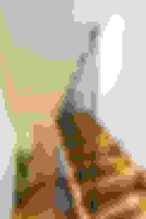 Escaleras de estilo  por ARCE S.A.S