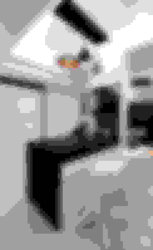 京都W宅:  餐廳 by 力豪設計