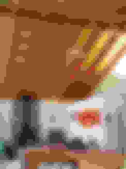 ENVIGADO CIELO: Livings de estilo  por ARKITEKTURA