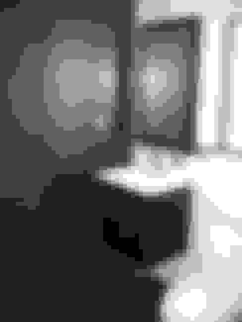 Baños de estilo  por ARKITEKTURA