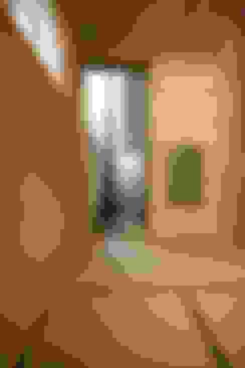 Salas multimedia de estilo  por Sデザイン設計一級建築士事務所