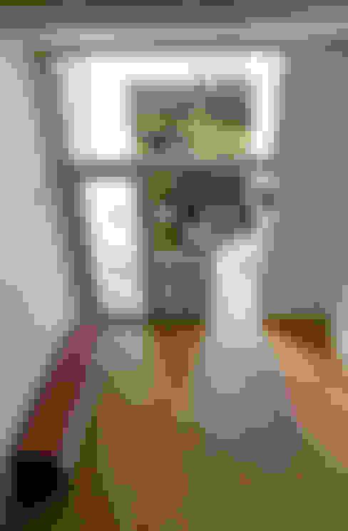 Woonkamer door 건축사사무소 지음