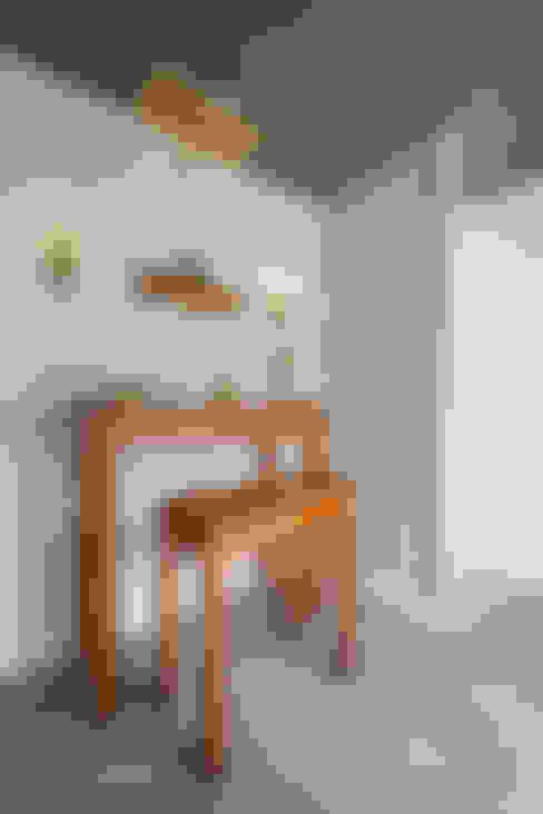 Living room by Mét Vuông