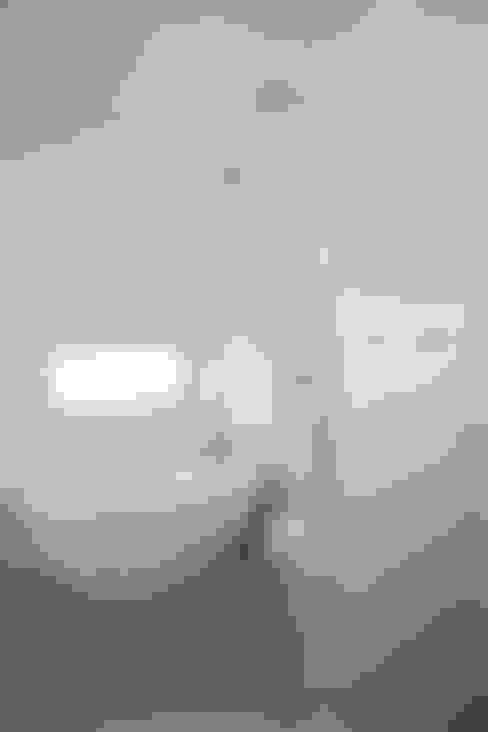 Bathroom by AAPA건축사사무소
