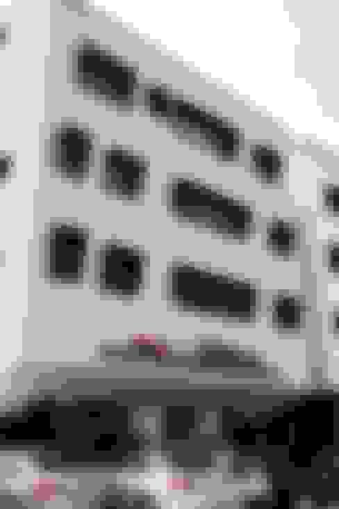 محلات تجارية تنفيذ AAG architecten