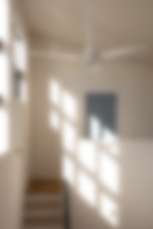 holiday: yuukistyle 友紀建築工房が手掛けた廊下 & 玄関です。
