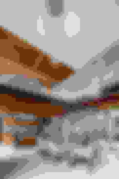 Вбудовані кухні by Apaloosa Estudio de Arquitectura y Diseño