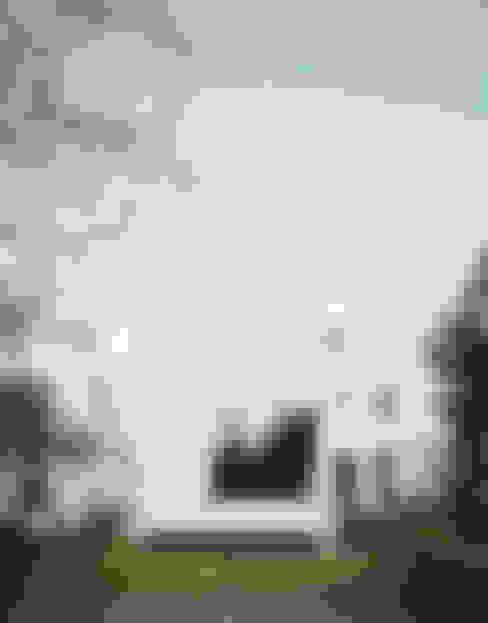Kleines Haus im Garten als Wohnraumerweiterung:  Kleines Haus von AMUNT Architekten in Stuttgart und Aachen