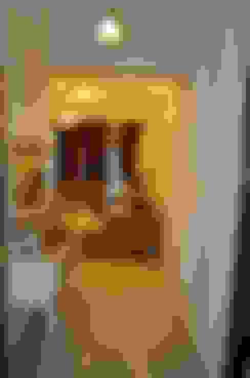 Corridor & hallway by Neun Designs Pvt.Ltd.