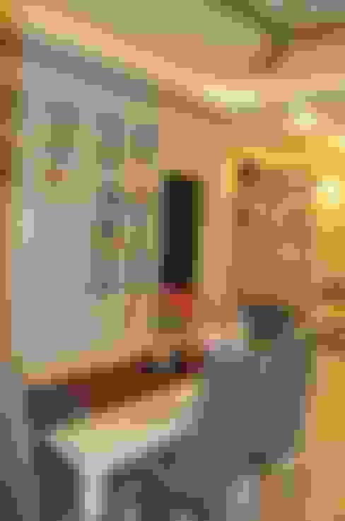 Dining room by Neun Designs Pvt.Ltd.
