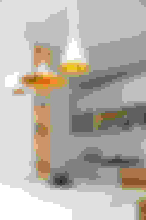 Cocina Estilo Nórdico: Hogar de estilo  por RUMMI
