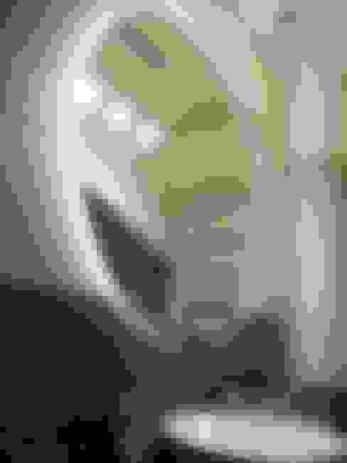 Lustro z poświatą LED: styl , w kategorii Łazienka zaprojektowany przez Moje Szkło