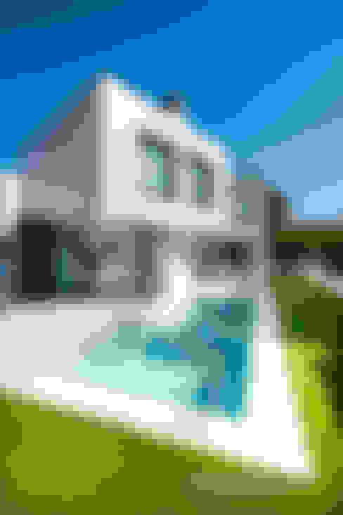 Casa con técnicas modernas de construcción: Casas unifamilares de estilo  de Carlos Sánchez Pereyra   Artitecture Photo   Fotógrafo