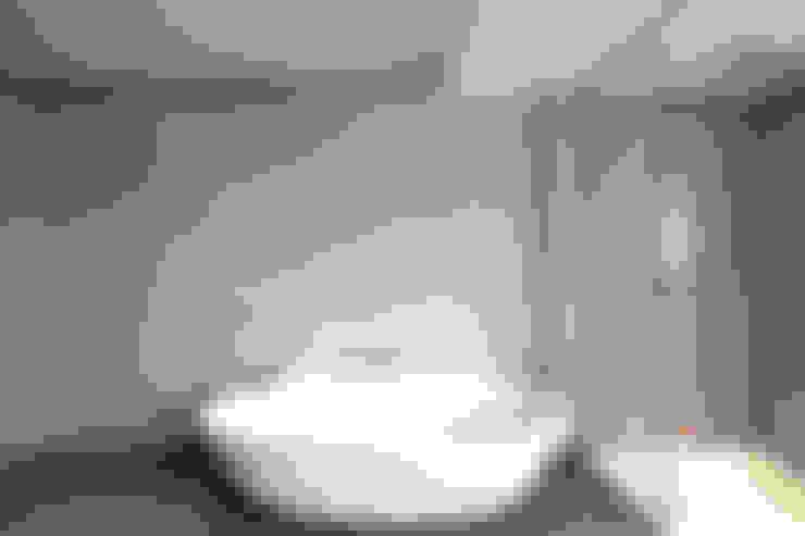 Baños de estilo  por Raumgespür Innenarchitektur Design