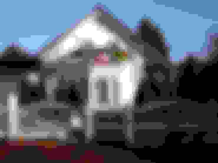 Lux:  Garten von Triumph-Zaunsysteme