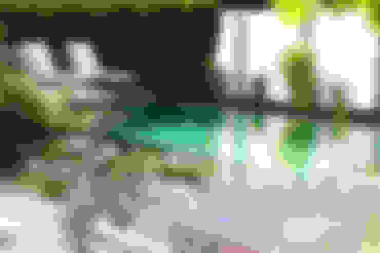 Piscinas de jardín de estilo  por Balena GmbH
