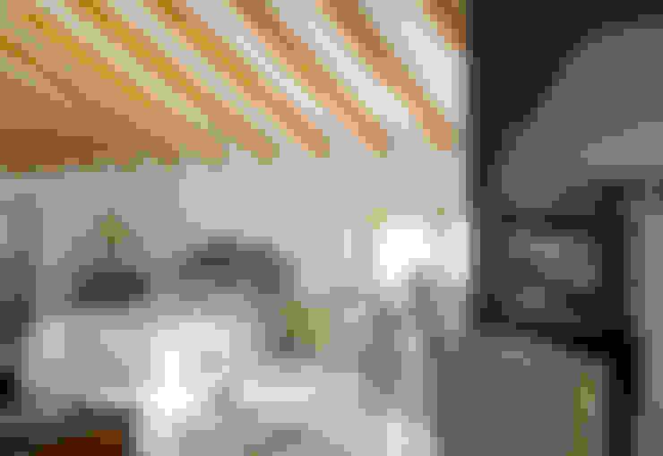 Vicalhome: Dormitorios de estilo  de Quino Prades