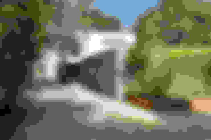 Jardins  por AR Design Studio