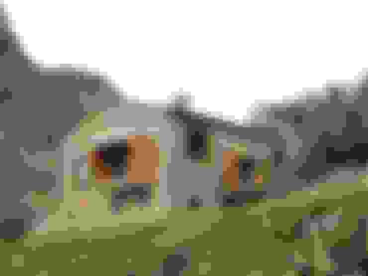 Arcadi Pla i Masmiquel Arquitecteが手掛けた家