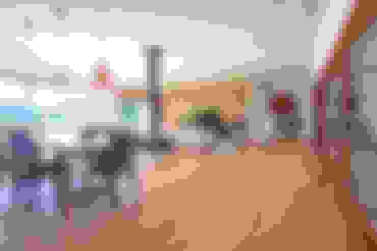 Ruang Keluarga by HUGA ARQUITECTOS