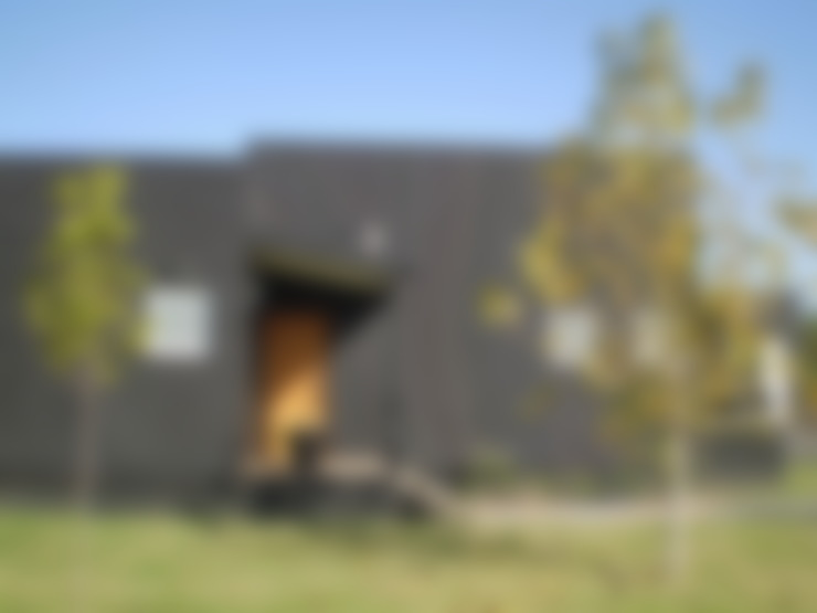 Casas pré-fabricadas  por 2424 ARQUITECTURA