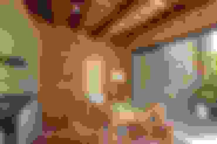 OutSide BCN LED Lighting:  tarz Yemek Odası