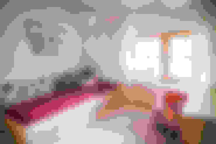 Dormitorios infantiles de estilo  por grupa KMK sp. z o.o