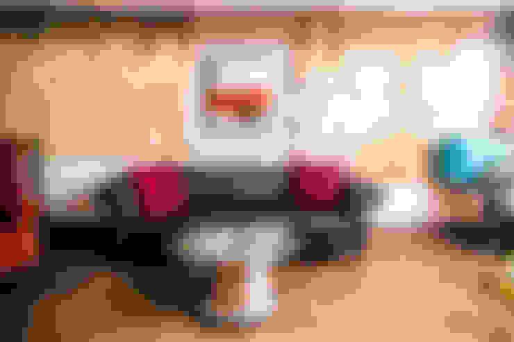 Fallen Furniture:  tarz Oturma Odası
