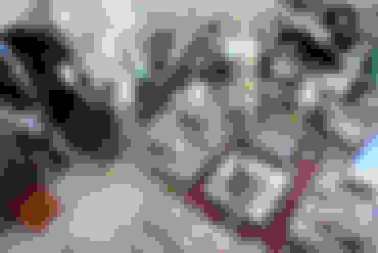 Гринфилд: Гостиная в . Автор – DecorAndDesign