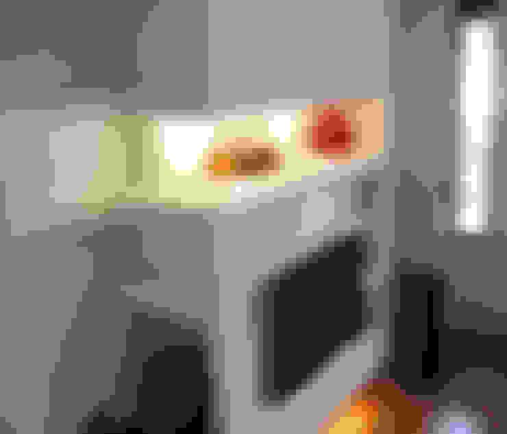 غرفة المعيشة تنفيذ Laura Marini Architetto