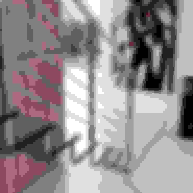 Pasillos, vestíbulos y escaleras  de estilo  por Enesca
