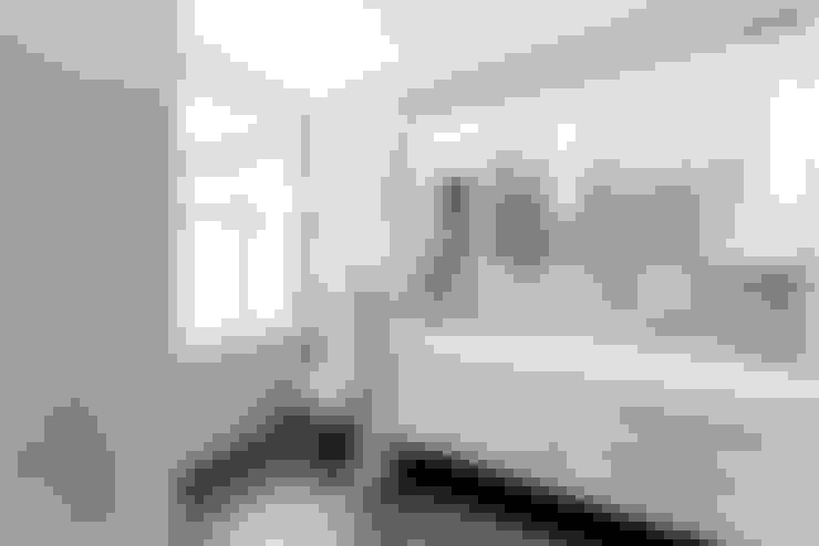 Master Ensuite:  Bathroom by CATO creative