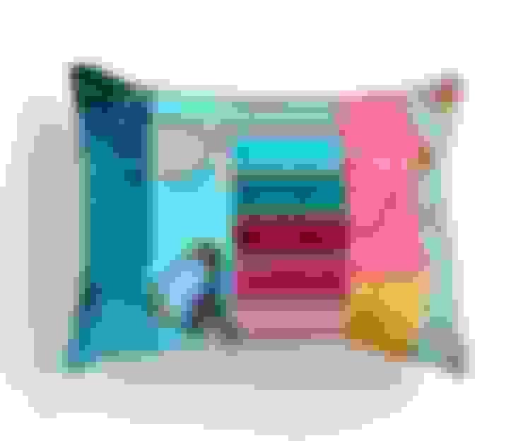 Sala de estar  por Suzy Newton Ltd.
