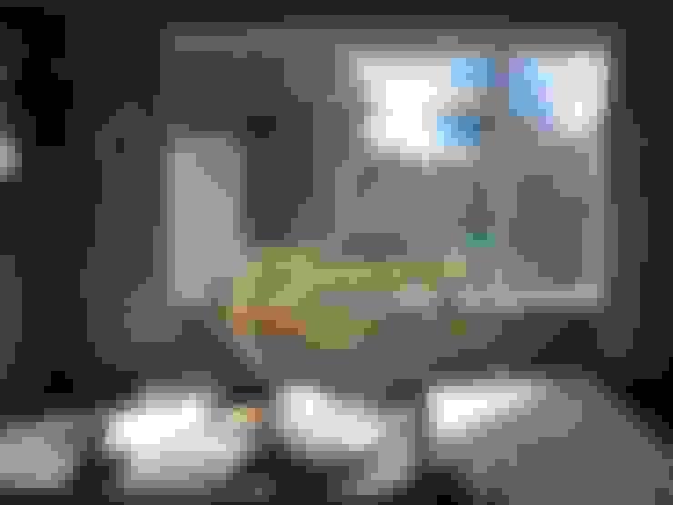 Living room by Richard Clarkson Studio