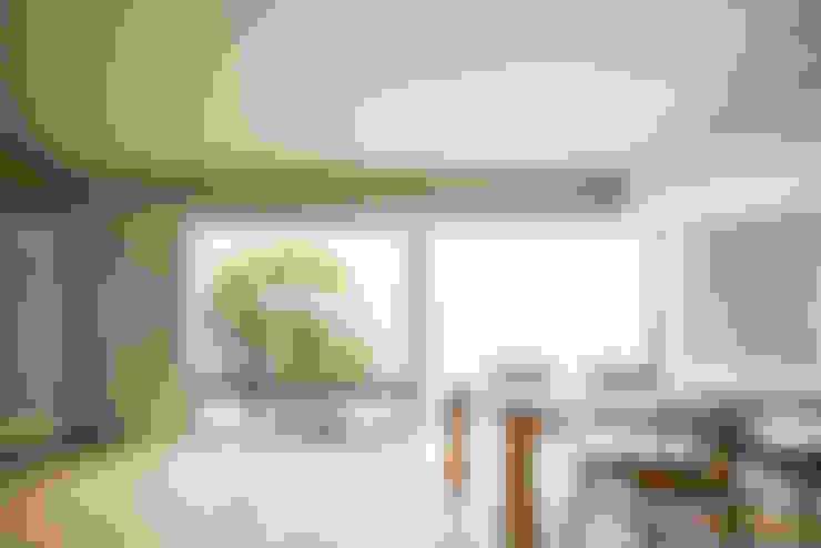Dining room by Kenji Yanagawa Architect and Associates