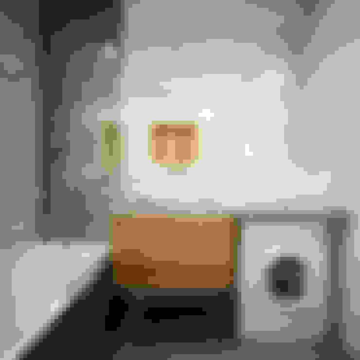 Bathroom by Александра Петропавловская