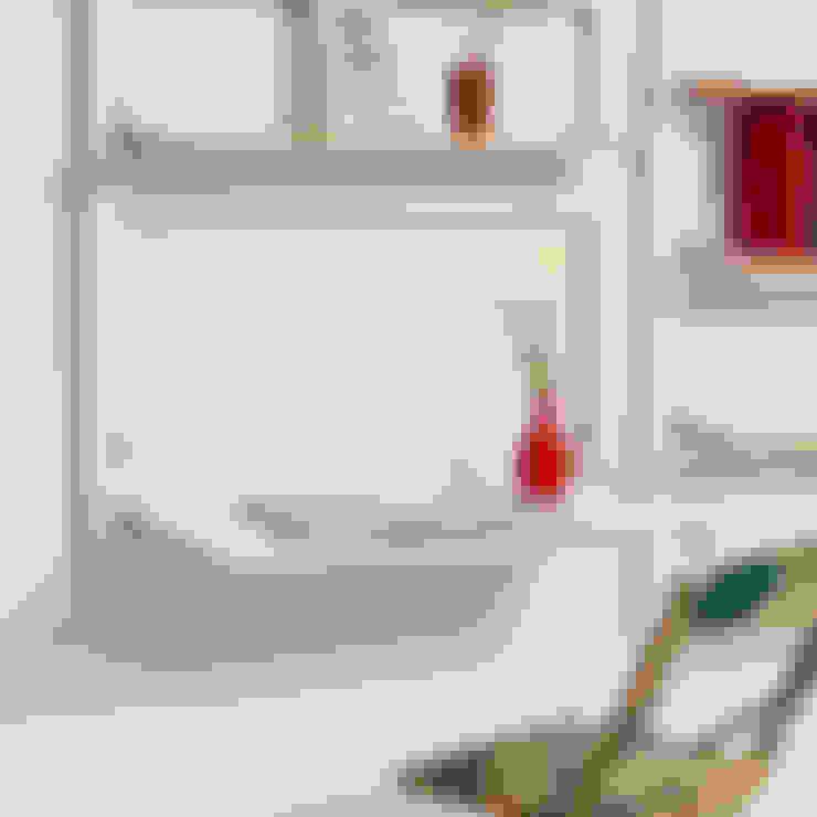 Fläpps Sekretär/in – Weiß:  Arbeitszimmer von AMBIVALENZ