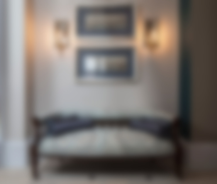 Pasillos, vestíbulos y escaleras  de estilo  por Roselind Wilson Design