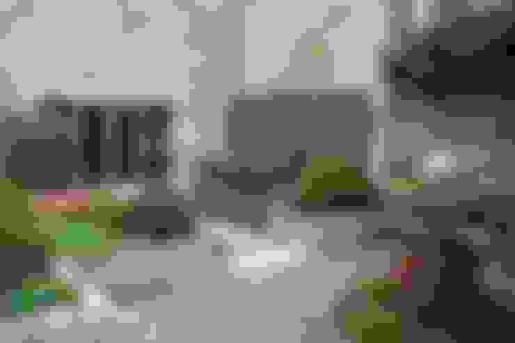 Jardines de estilo  por Bestall & Co Landscape Design Ltd