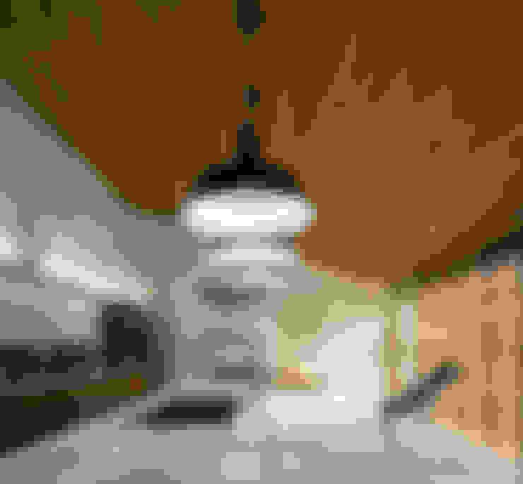 M&M House: Cozinhas  por Studio MK27