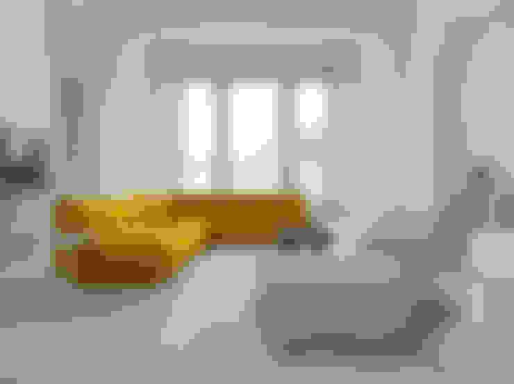 TOGO - Design Michel Ducaroy:  Wohnzimmer von Roset Möbel GmbH