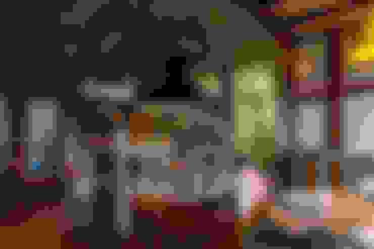 Kitchen by Ferraro Habitat