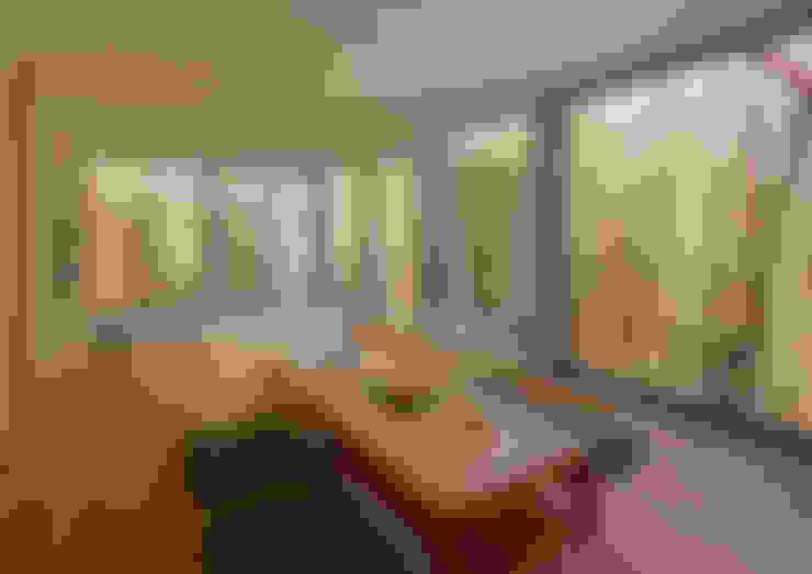 Salas / recibidores de estilo  por arbol