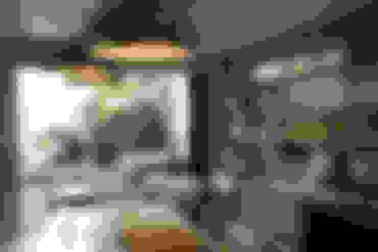 Diane Berry Kitchens:  tarz Mutfak