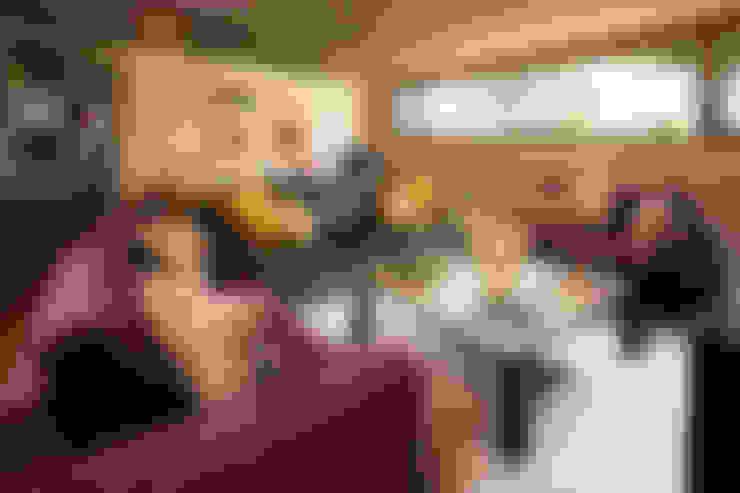 غرفة المعيشة تنفيذ LUXOREMA