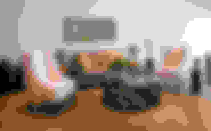 Salas / recibidores de estilo  por LUXOREMA