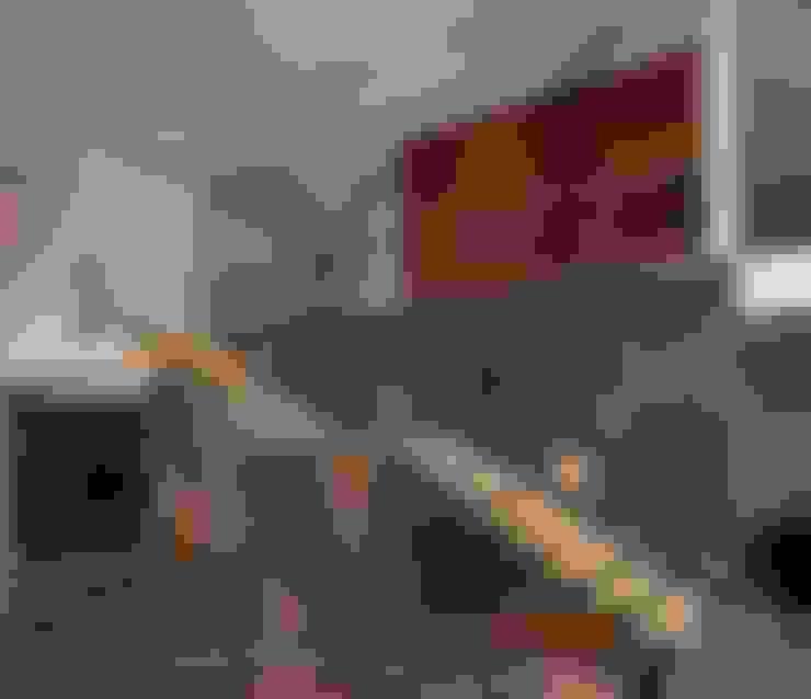 Vestíbulos, pasillos y escaleras de estilo  por URBN