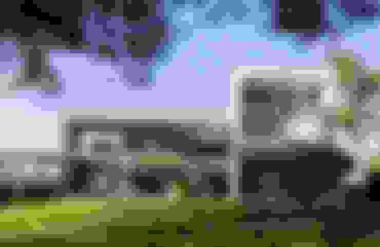 Nhà by sanahuja&partners